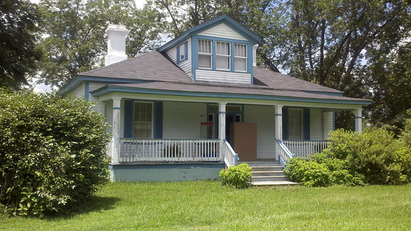The Living Estate Of Viola Anderson-September 6 & 7th 9:00-4 & Sunday September 8th 12:00pm-4:00 pm